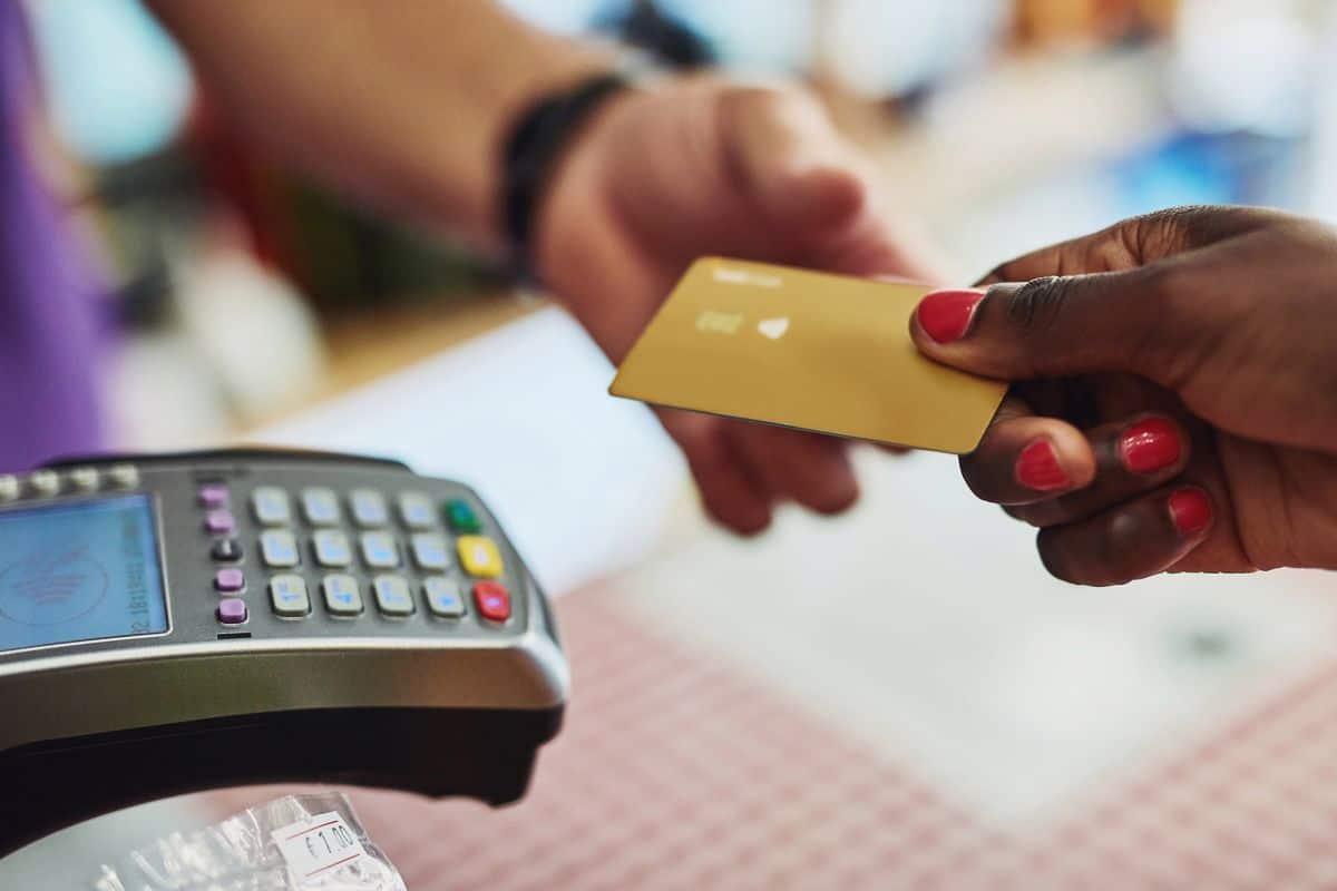 دفع بطاقة ائتمان سفر بأقل التكاليف