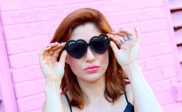 نظارات شمسية بشكل قلب