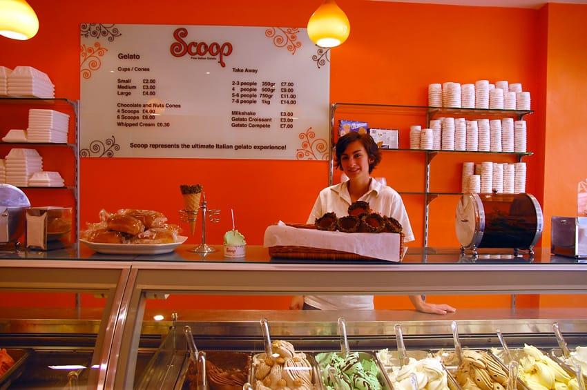 أفضل متاجر لندن للمثلجات Scoop