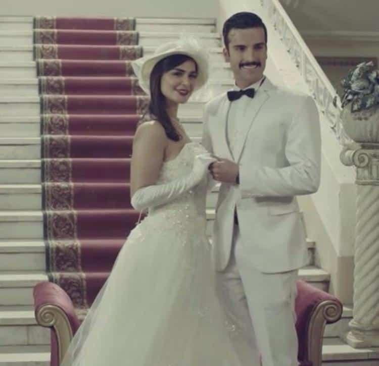 فستان رانيا منصور الكلاسكي الأنيق
