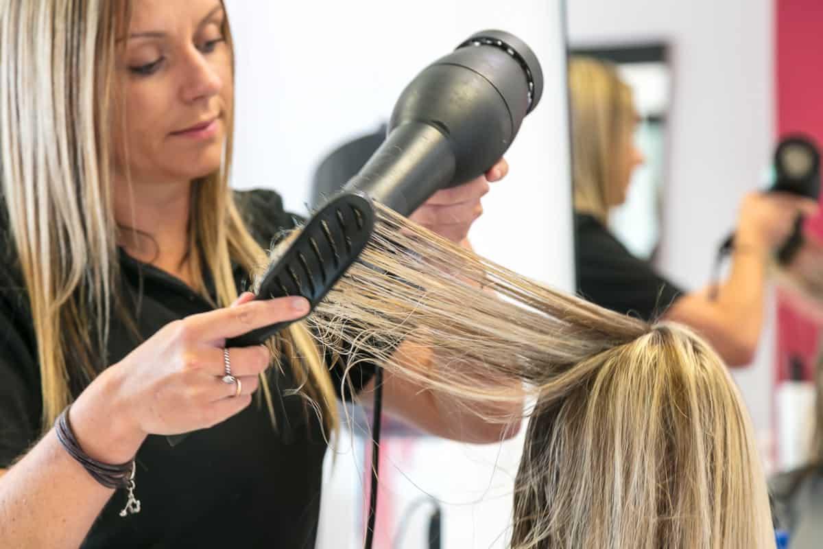مستحضرات لحماية شعرك لإطلالة ممتازة