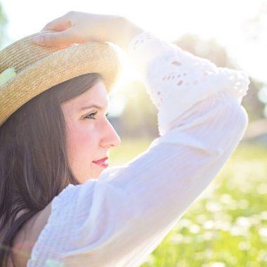 أفضل الطرق لعلاج بشرتك من حروق الشمس