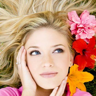 أفضل الوصفات الطبيعية لعلاج مختلف مشاكل الشعر تعرفي إليها