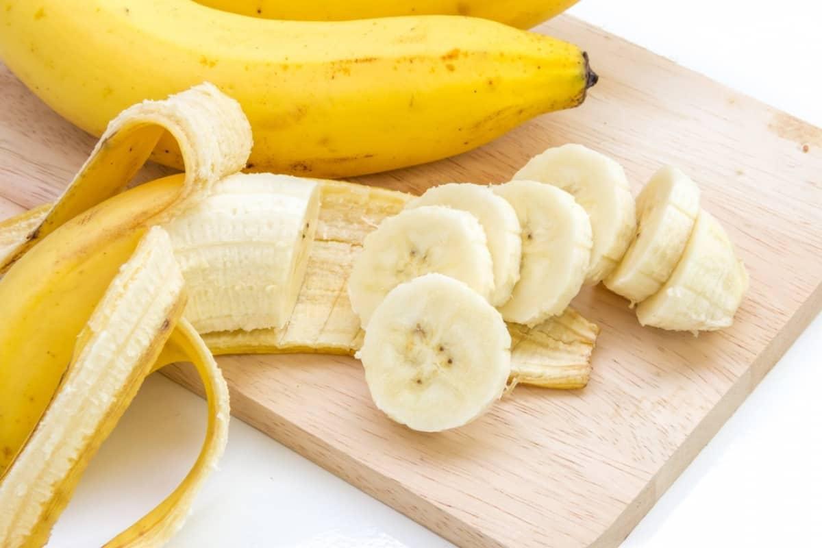 للشعر الجاف: وصفة الموز مع العسل