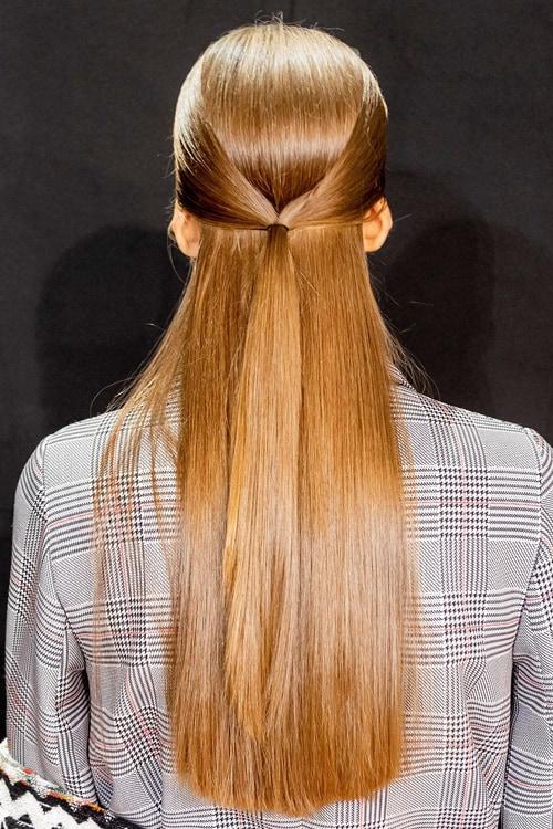 تسريحة الشعر المفرود واللامع
