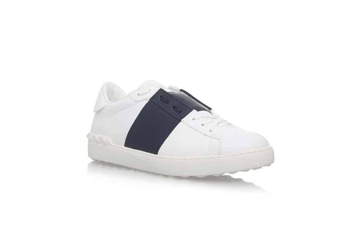 حذاء سنيكرز Garavani Low Top من ماركة Valentino