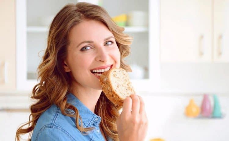 أطعمة تجنبيها لبشرة مشرقة وصحية تعرفي إليها