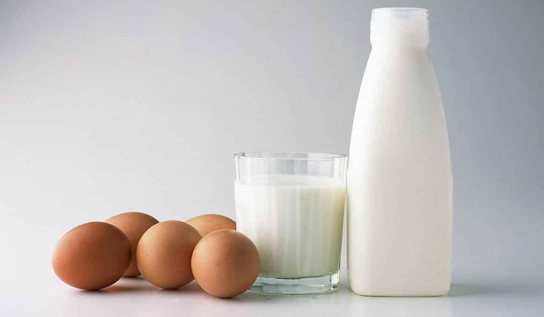 خلطة أصفر البيض مع الحليب للعناية بالأظافر