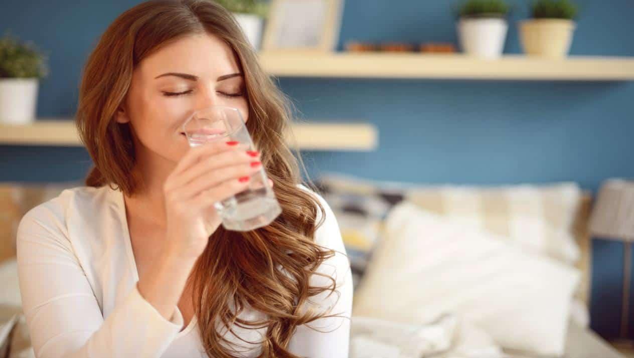 شرب كمية كافية من الماء
