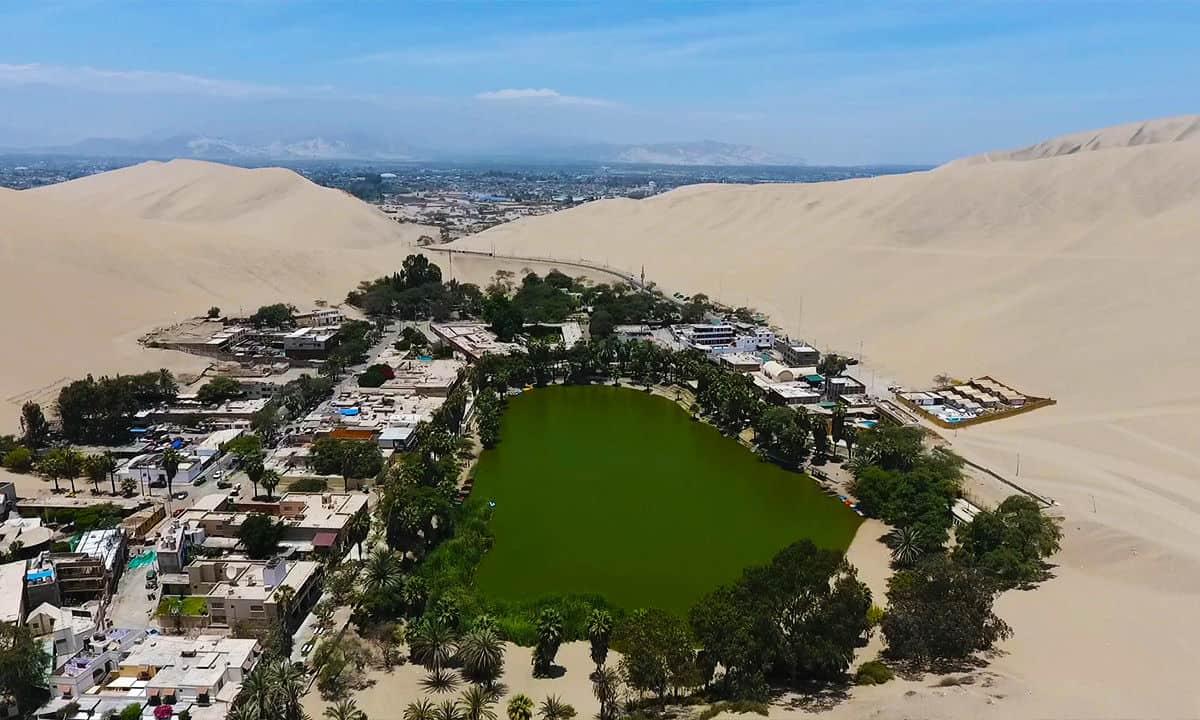 قرية هواكاتشينا Huacachina بالبيرو