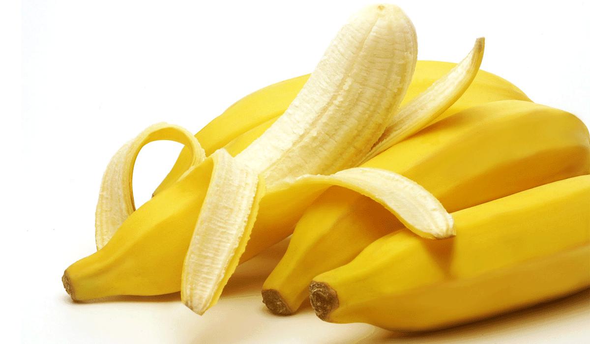 أكل الموز