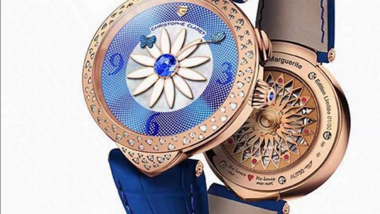 موديلات ساعات باللون الأزرق لإطلالة متميزة