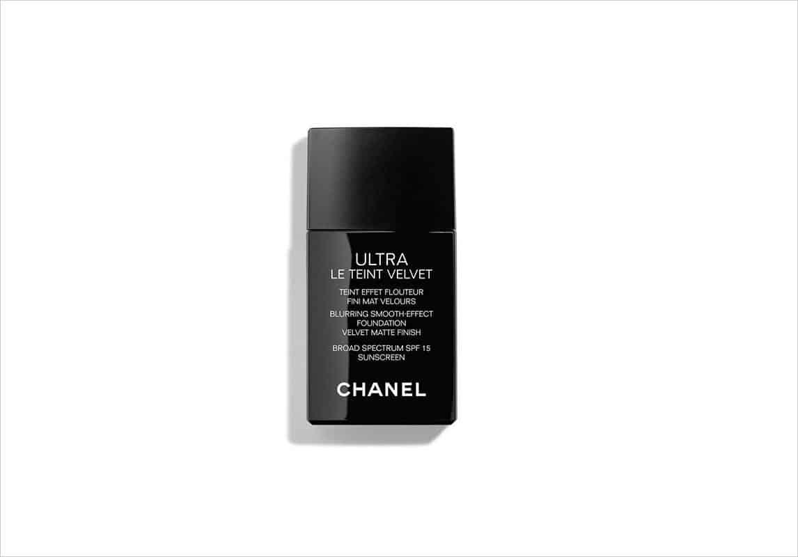 منتج كريم أساس Ultra Le Teint Velvet من ماركة شانيل Chanel