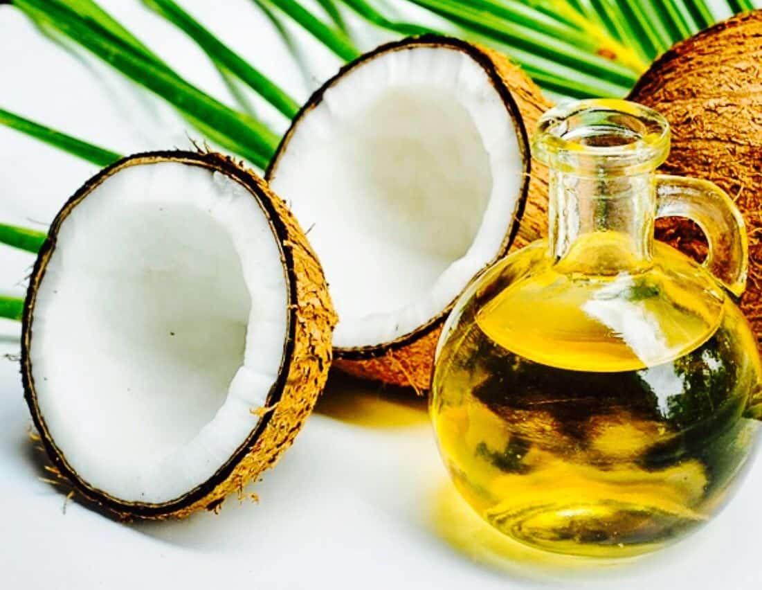 وصفة العسل مع زيت جوز الهند لتنعيم اليدين
