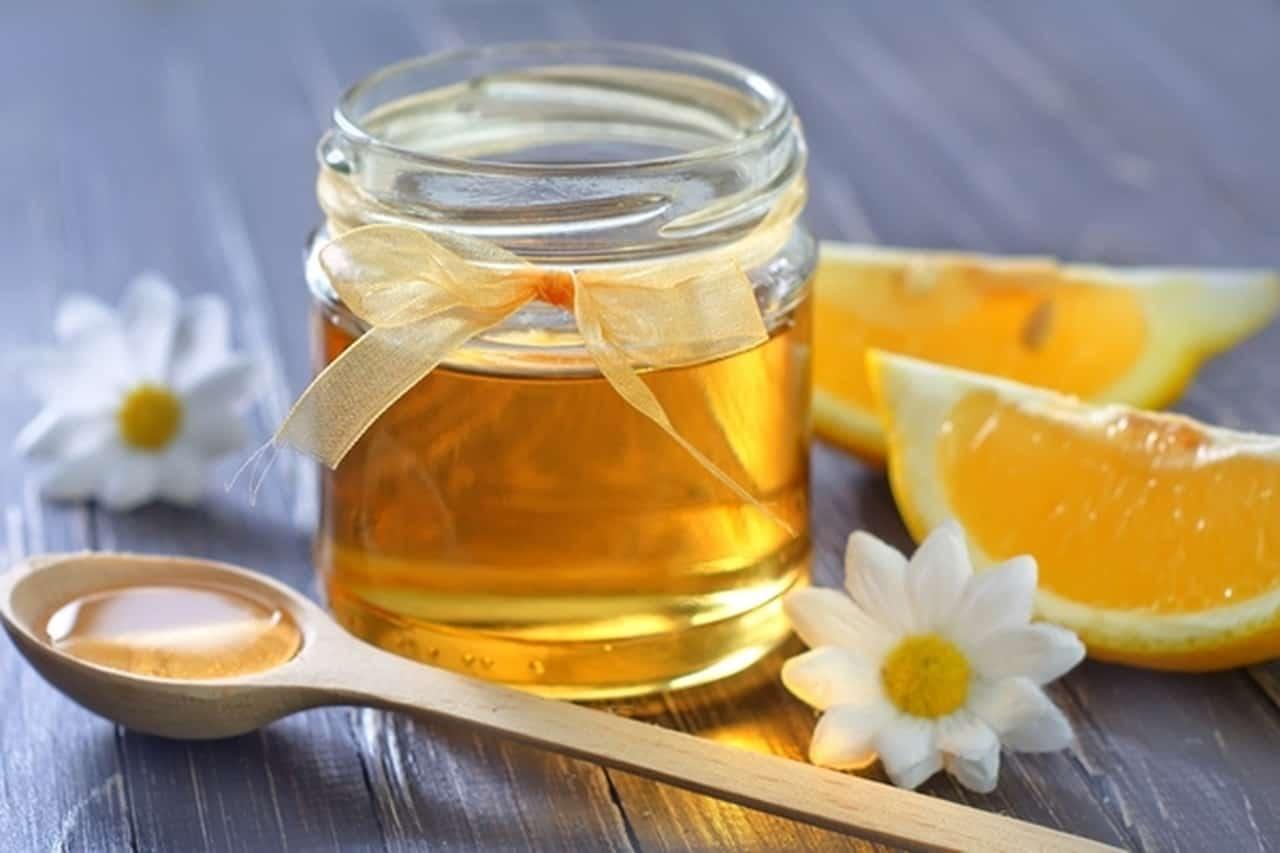 قناع عصير البرتقال مع العسل لبشرة نضرة