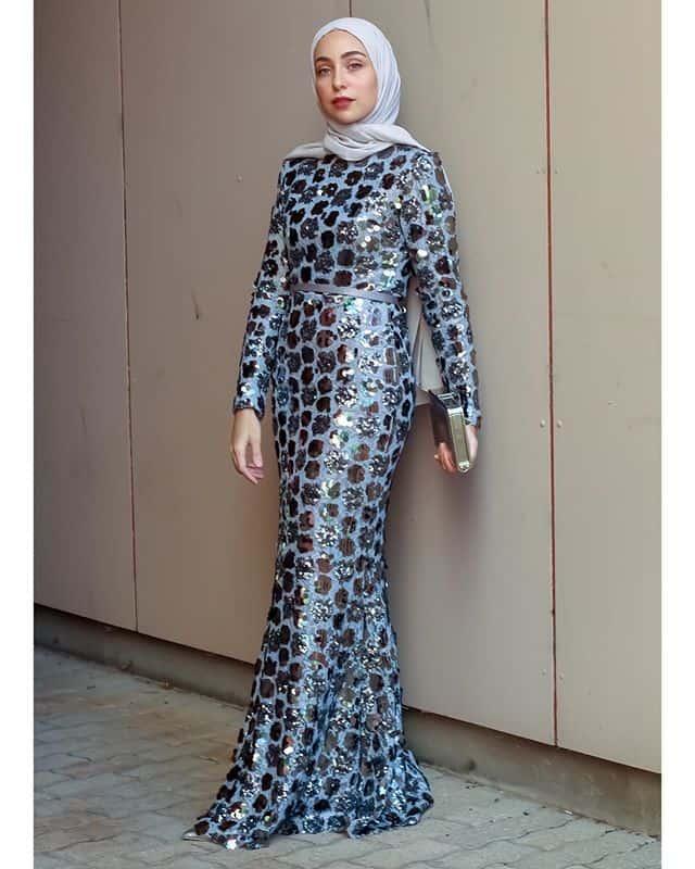 أمينة بلال: فستان منقط بولكا دوت (Polka Dot Dresse) بلمسة لامعة