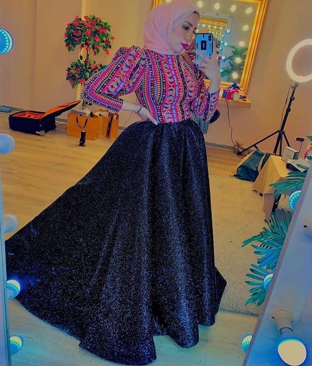 رهف الشامي: فستان بتصميم منقوش