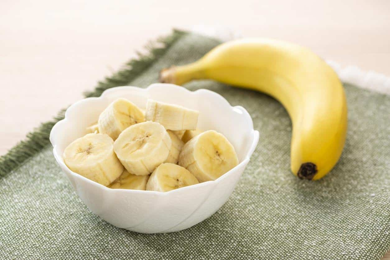 قناع الموز مع العسل والزبادي