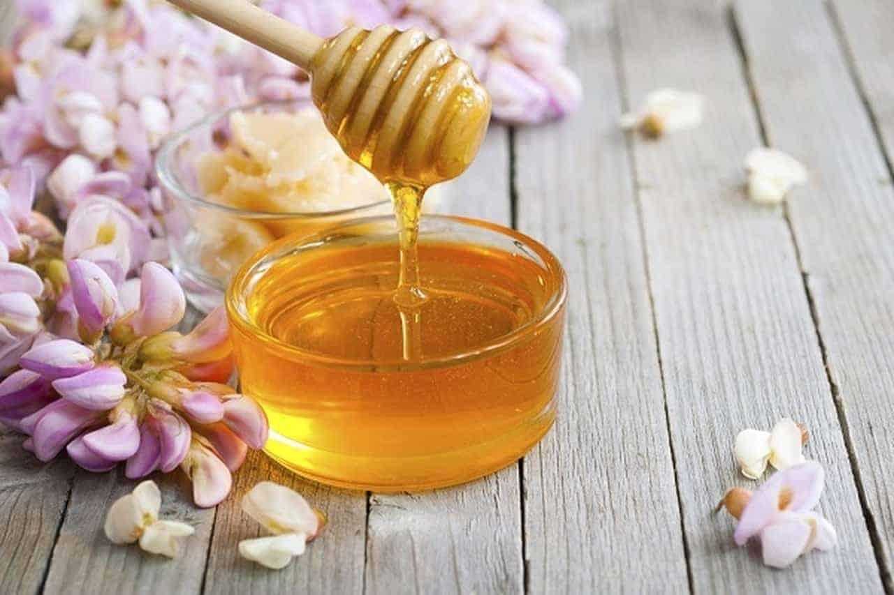 قناع العسل مع الأفوكادو والفيتامين E