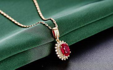 أروع المجوهرات بالياقوت الأحمر