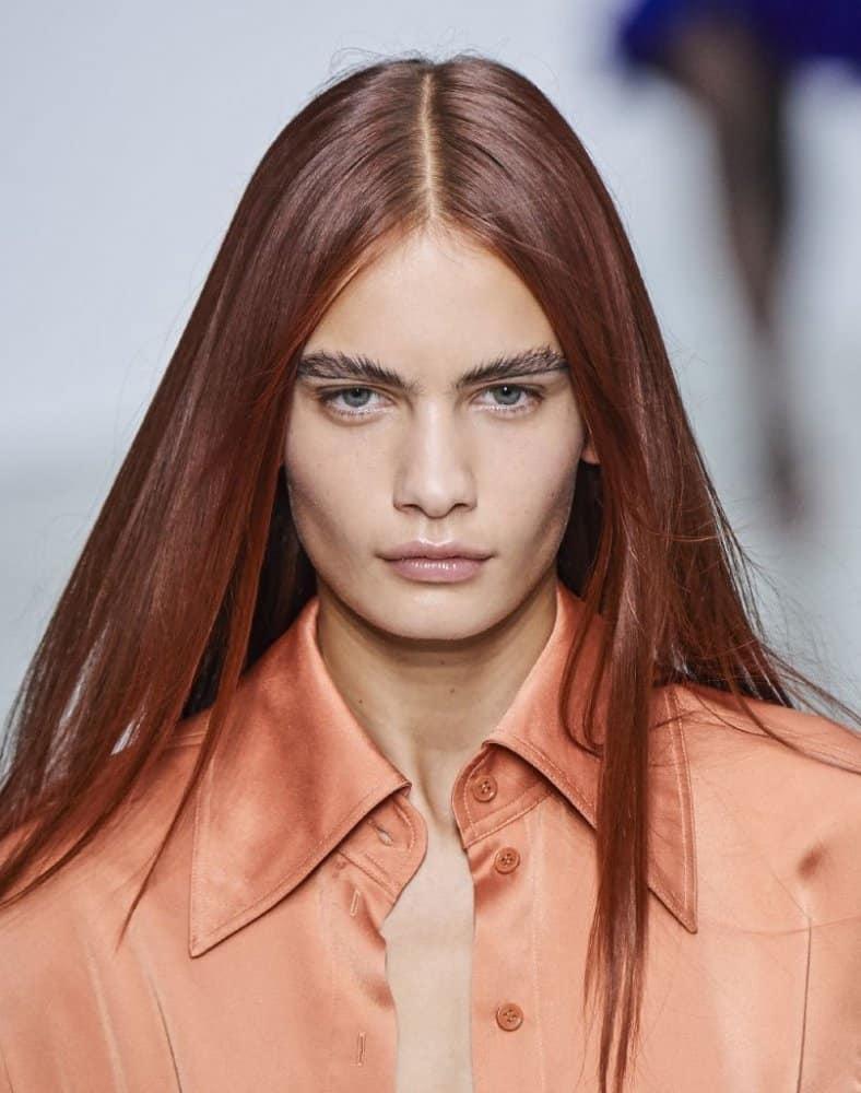 صبغات الشعر باللون الأحمر ذو التدرجات الداكنة