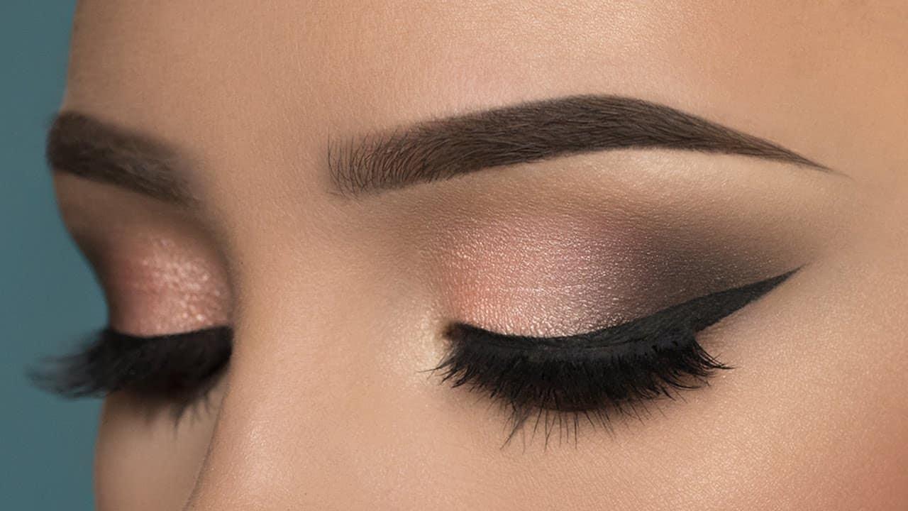 أفضل ألوان ميتاليك لظلال العيون عليك اختيار احداها