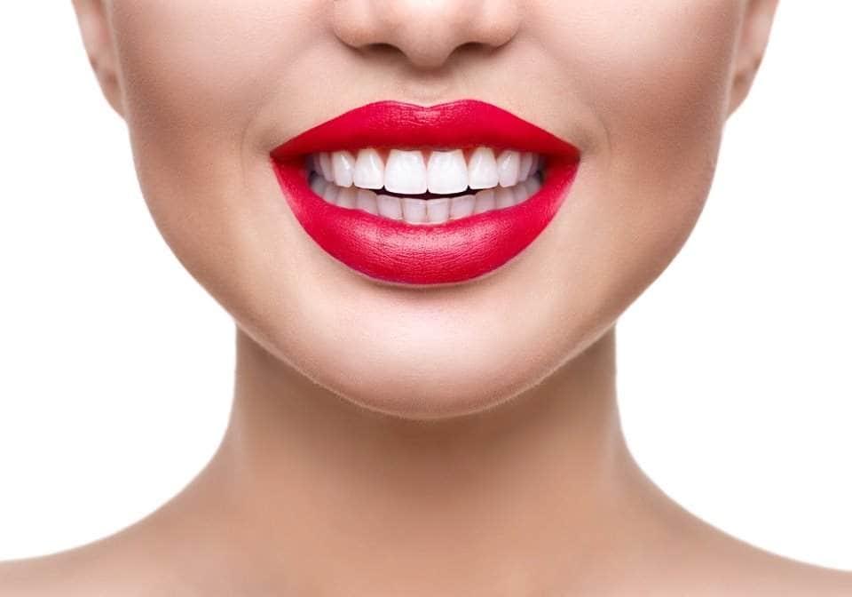 أفضل الوصفات لتبييض الأسنان عليك تجربتها