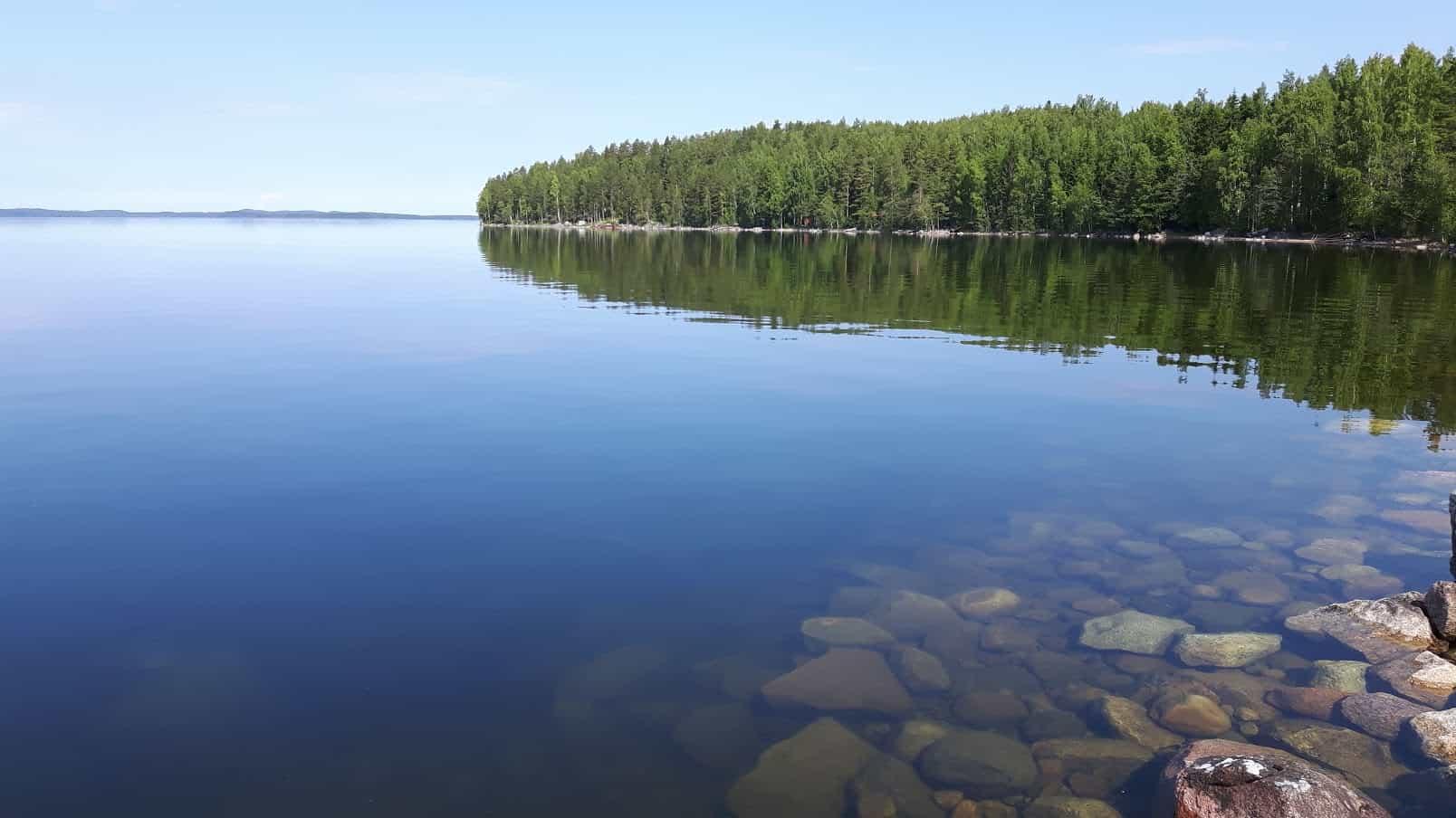 بحيرة إيناري Lake Inari