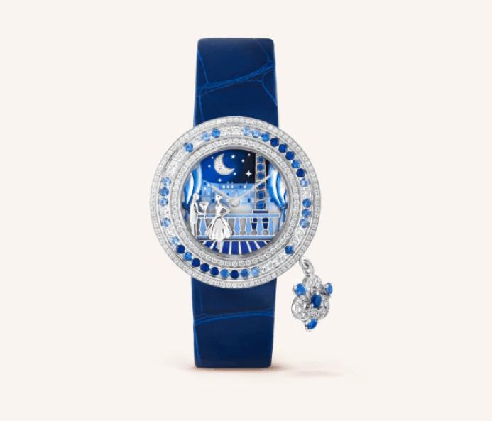ساعة من علامة فان كليف أند أربلز Van Cleef & Arpels