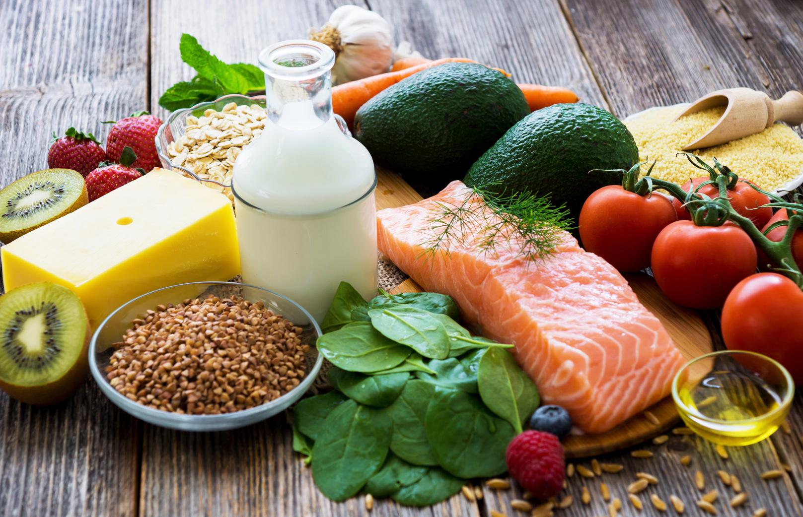 أطعمة وأعشاب تقوي جهاز المناعة عليك معرفتها