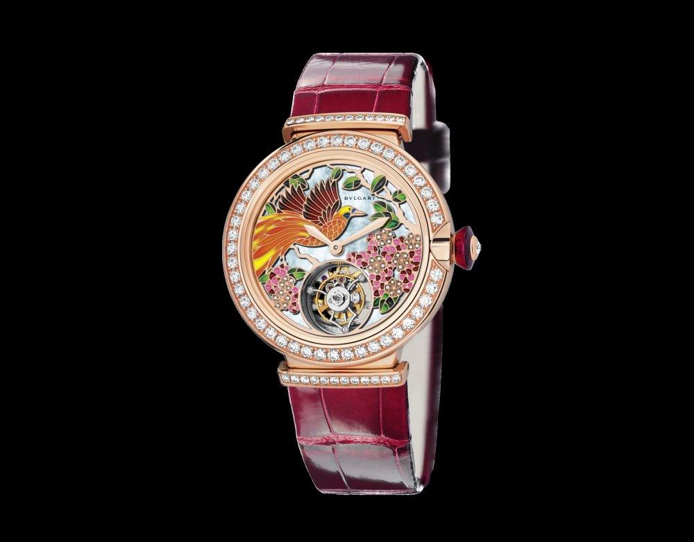 ساعة من ماركة بولغاري Bulgari
