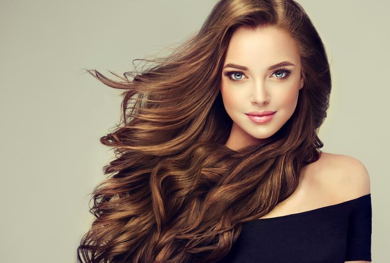 صباغة الشعر بمواد طبيعية لإطلالة متميزة