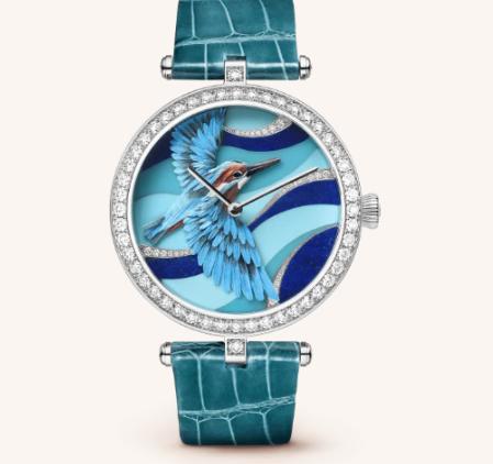ساعة من ماركة فان كليف أند أربلز Van Cleef & Arpels
