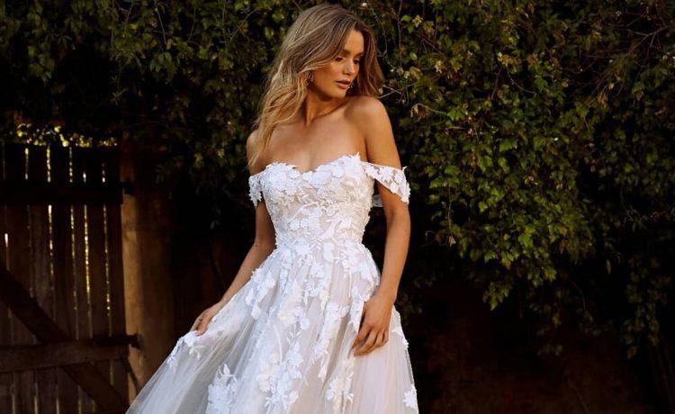 أفضل فساتين زفاف أوف شولدر لموسم 2020