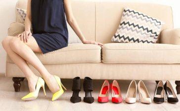 هكذا عليك تنسيق ألوان الأحذية مع ملابسك المختلفة