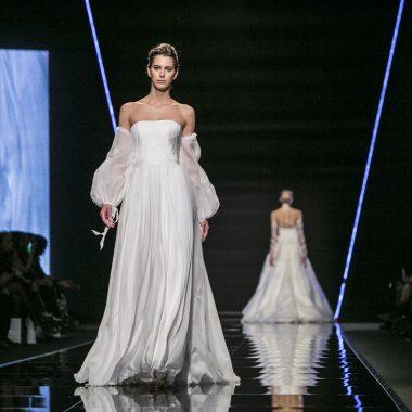 تصاميم رائعة لفساتين زفاف بأكمام لصيف 2020