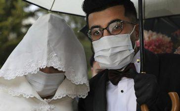تصاميم مختلفة لكمامات العروس
