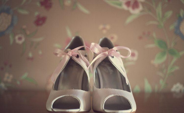 أفضل 5 موديلات أحذية عليك اقتنائها في زفافك