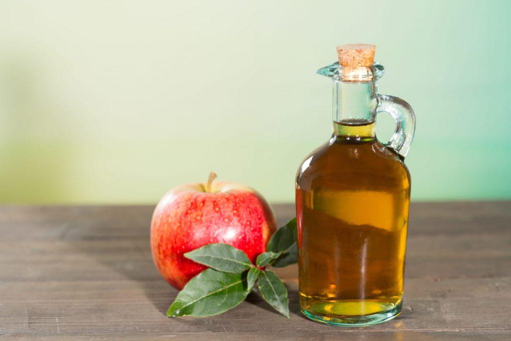 طرق مختلفة لاستخدام خل التفاح للعناية ببشرتك