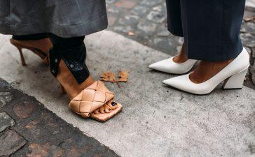 بالصور: 30 حذاء صيفي صيفية يسيطر على موضة 2021