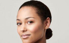 إليك 5 نصائح تجميلية للحفاظ على جمال بشرتك