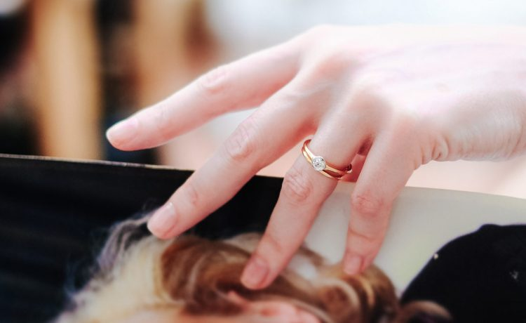 أجمل ألوان مانيكير يمكنك تجربته في حفل زفافك