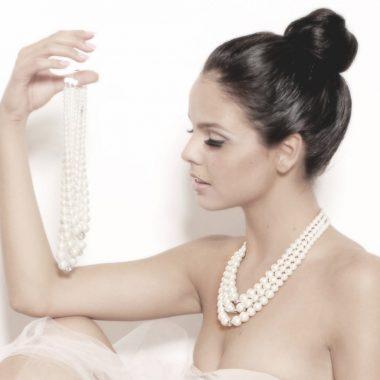 مجوهرات من اللؤلؤ للتمتع بإطلالة ساحرة وجميلة